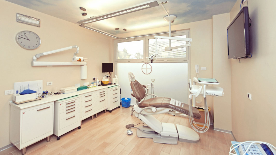 Studi dentistici gallarate dott flavio bellora for Arredamento studi dentistici